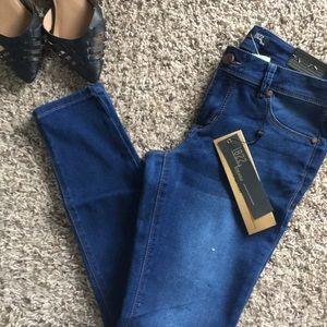 🆕 1822 Denim Jeans - Classic Skinny 💗